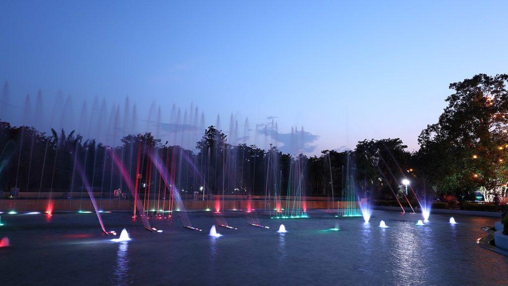 Le jardin des fontaines d'eau de Naypyidaw